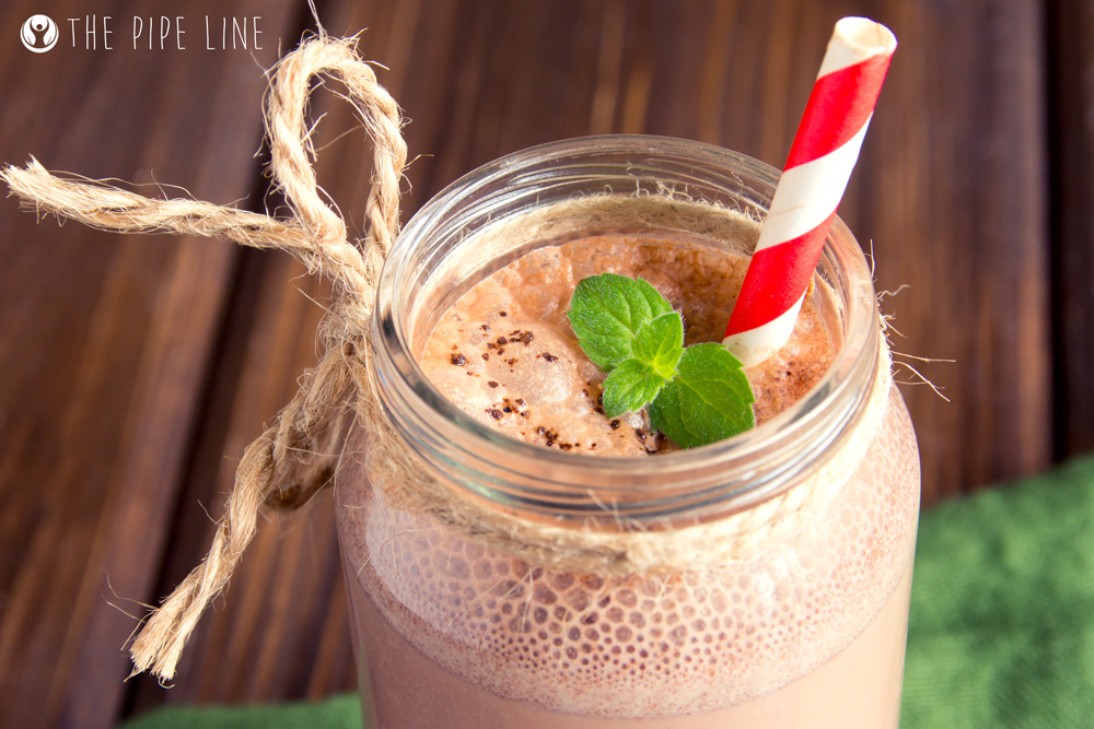 Piping Rock - The Pipe Line Blog - 5 Smoothies for Plant Lovers - Vegetarian Recipes - Dark Chocolate Mint Smoothie
