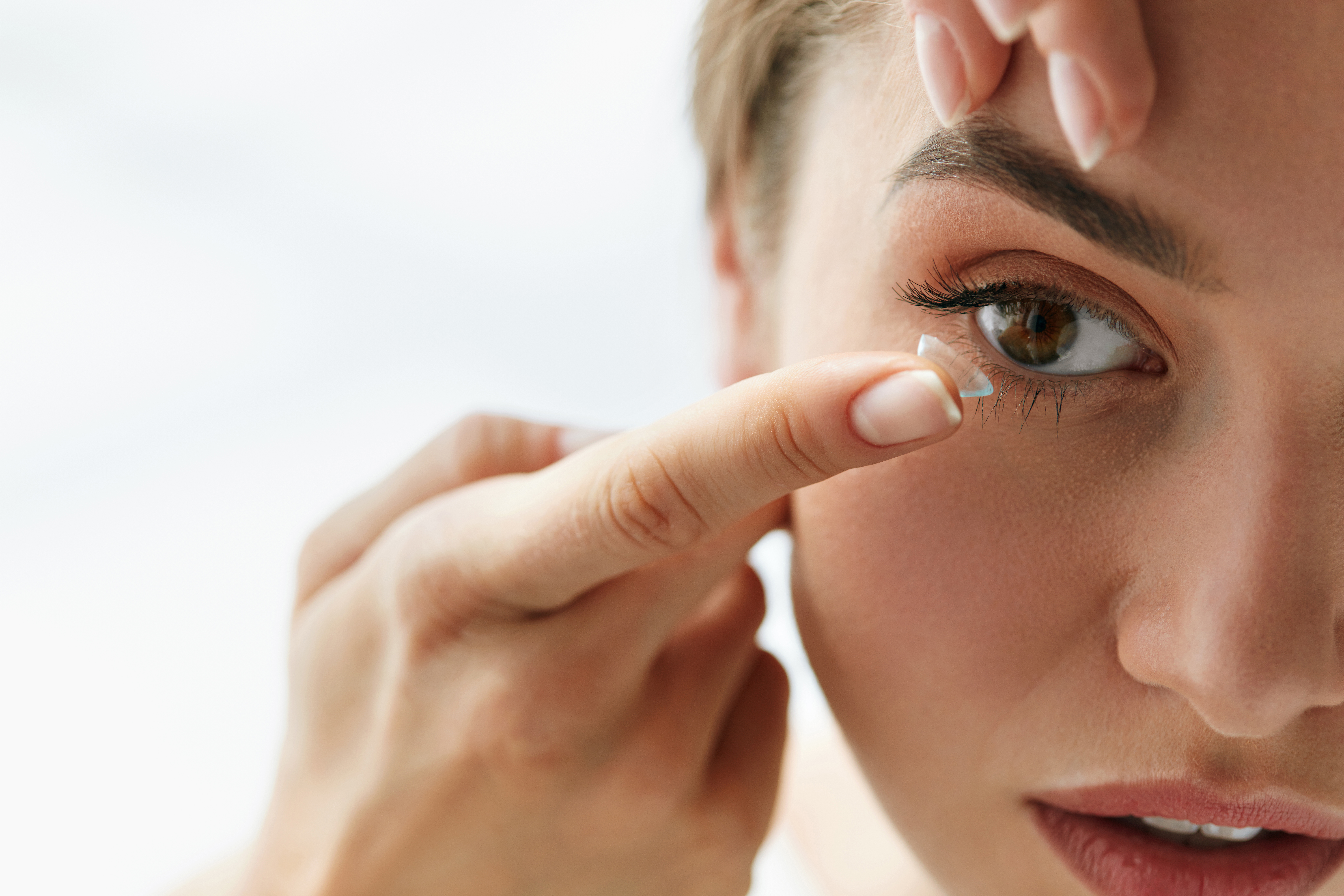 eye contacts -- eye health